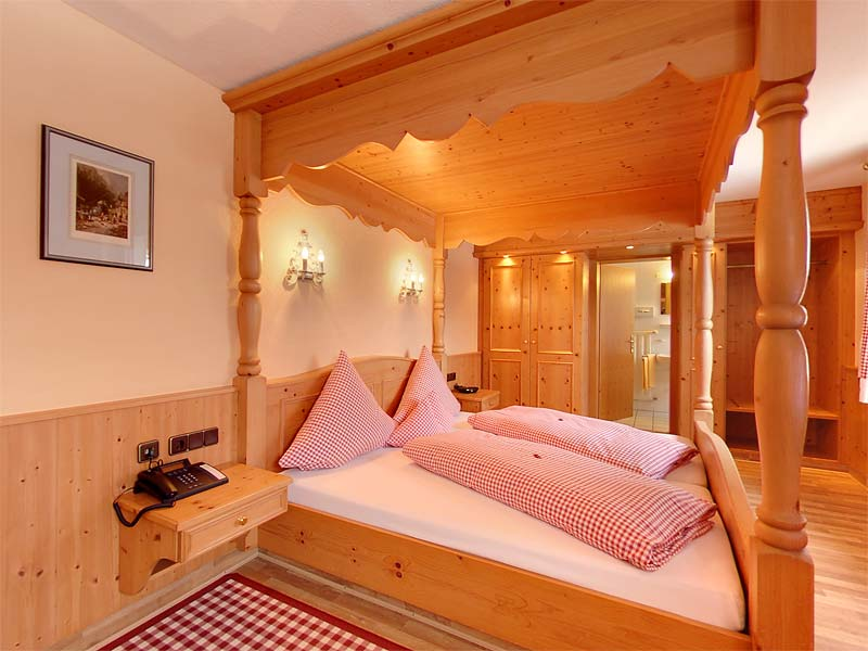 Romantic Room - Hotel Resi von der Post at Lake Tegernsee